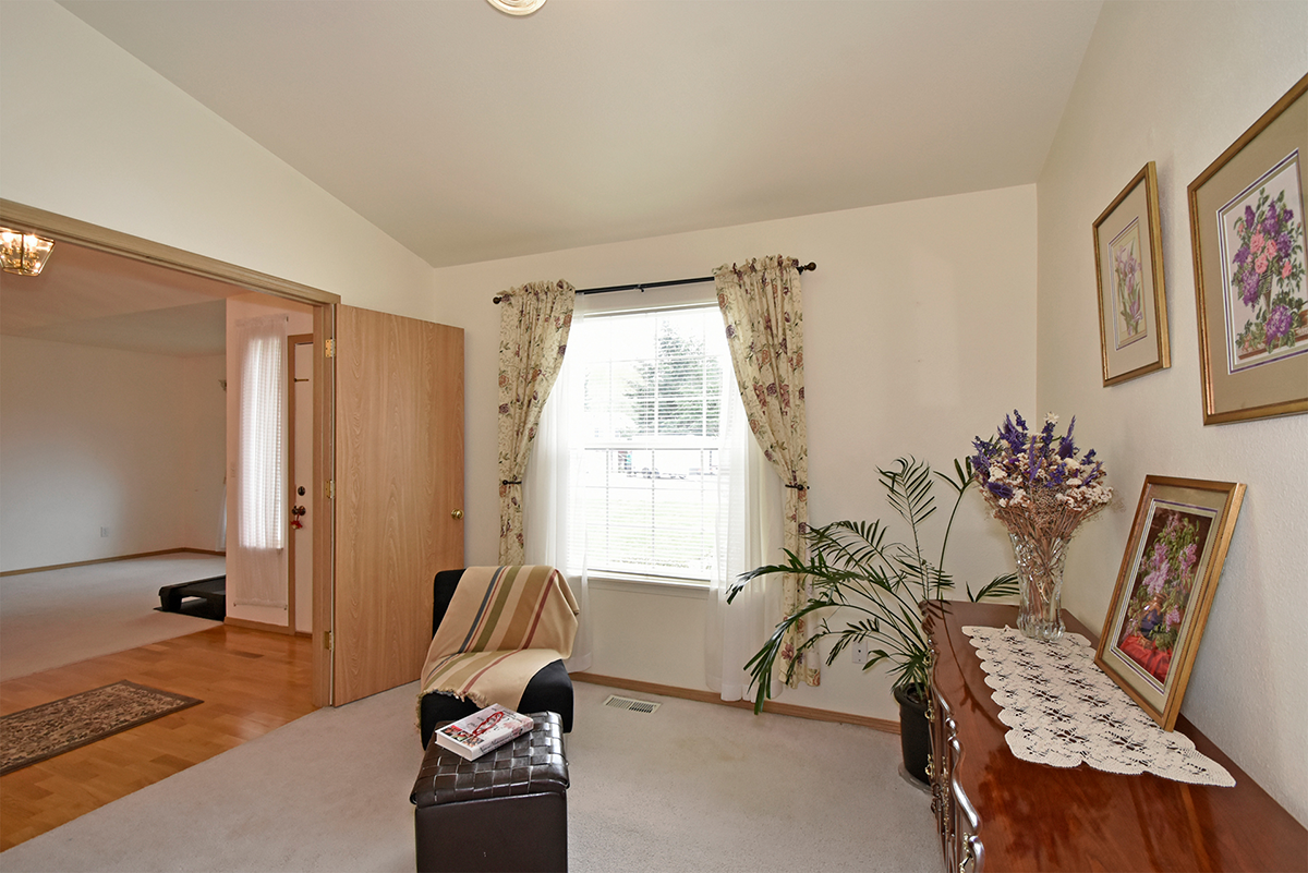Living Room - 8707 202nd St E , Spanaway