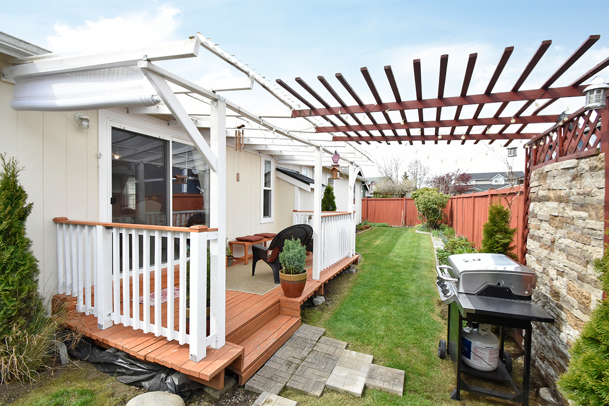 Deck - 8707 202nd St E , Spanaway