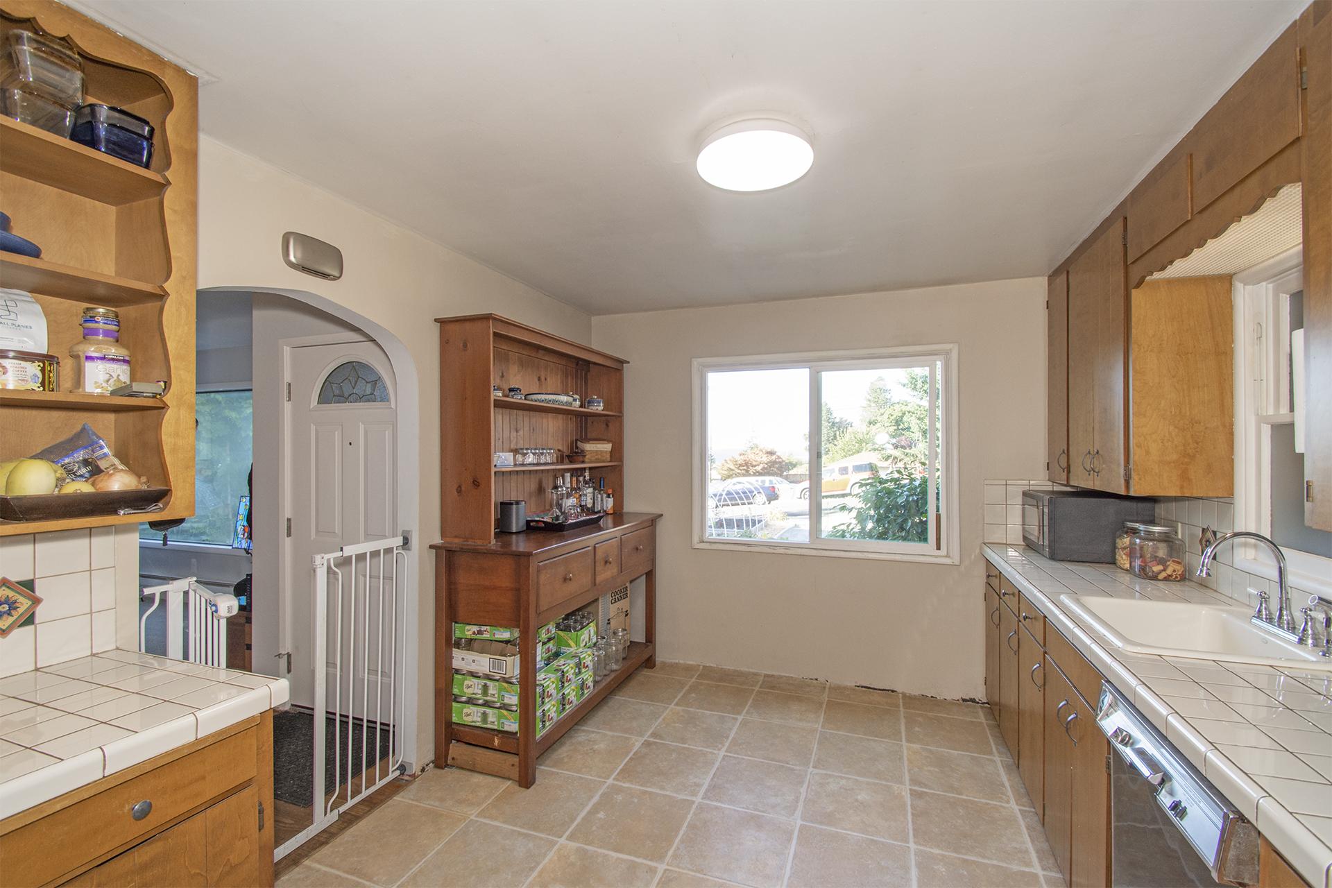 Kitchen - 8118 33rd St W