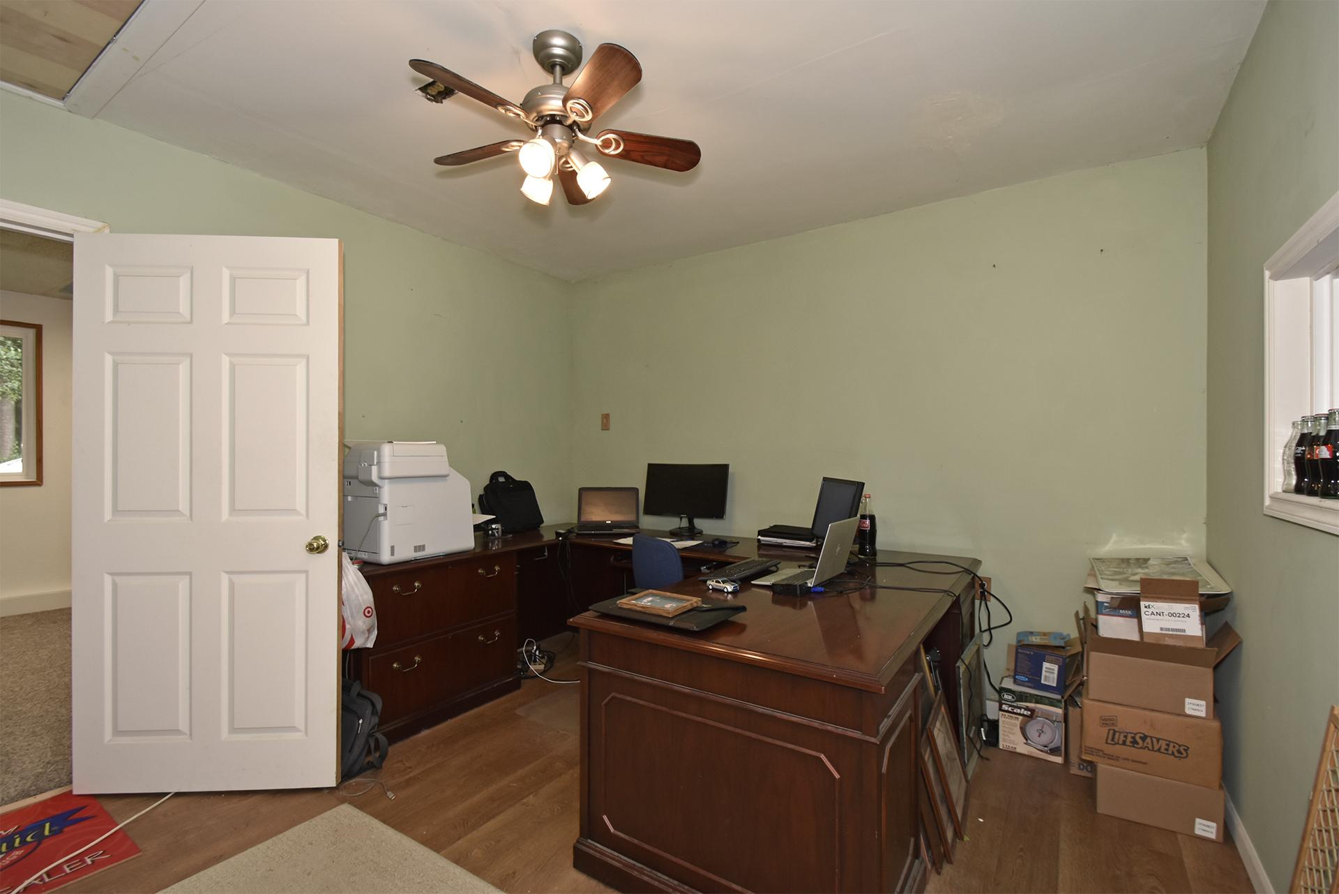 Den/Office/Bedroom - 11618 211th Ave E